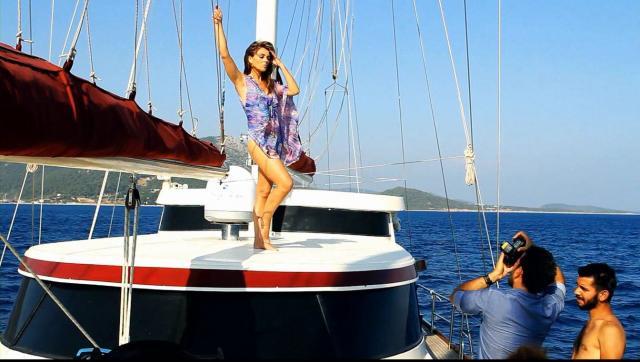 da elizabeth hurley 2013 boat